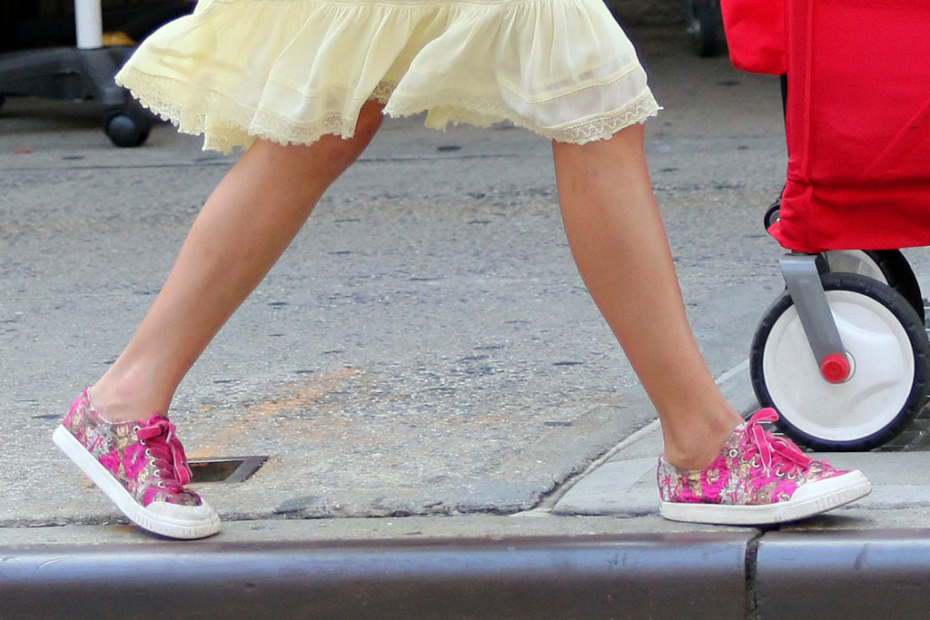 Suri Cruise, tretorn sneakers, nyc, celebrity shoe style, summer 2019