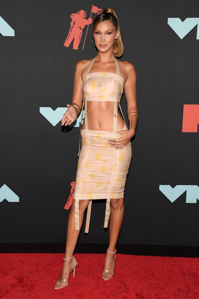 Bella Hadid, legs, abs, dress, body, sandals, red carpet, celebrity style, MTV Video Music Awards, Arrivals, Prudential Center, New Jersey, USA - 26 Aug 2019