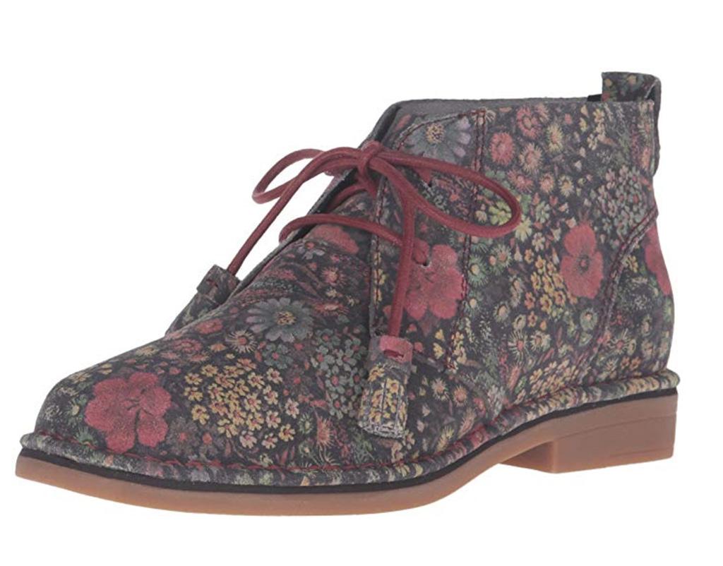 Hush Puppies Women's Cyra Catelyn Chukka Boot, Best womens chukka boots amazon, floral chukka boots