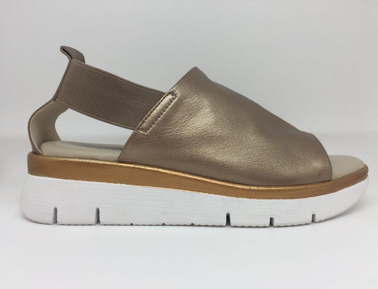 Enjoiya athleisure-inspired sandal