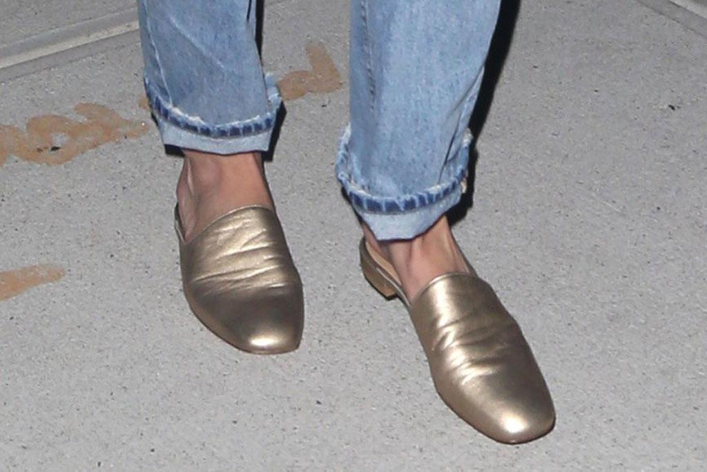 Gigi Hadid, street style, celebrity style, gold mules, shoe style
