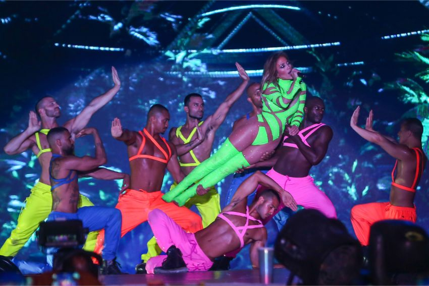 jennifer lopez, egypt, its my party, concert