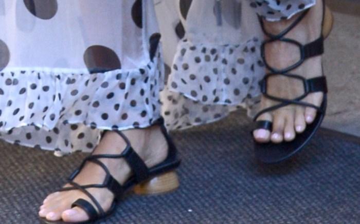 jessica-alba-gladiator-sandals