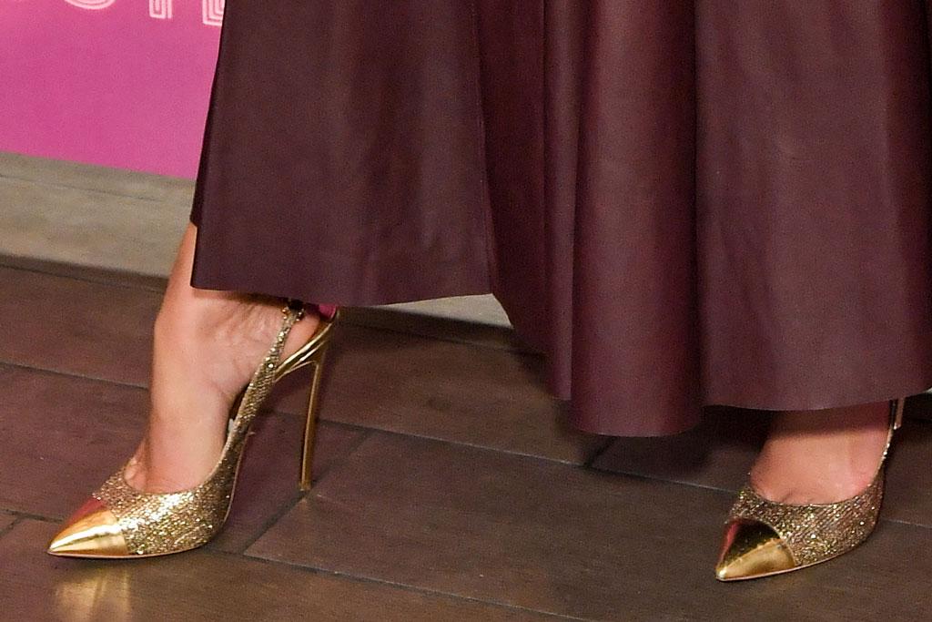 j-lo, Jennifer lopez, hustlers, casadei pumps, gold heels, stilettos, shoe style, feet