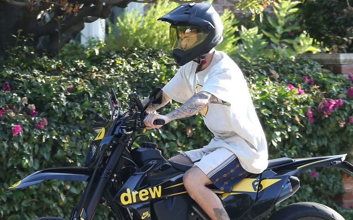 justin-bieber-motorcylce