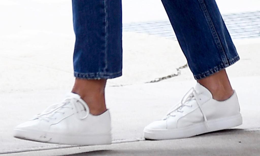 katie holmes white sneakers