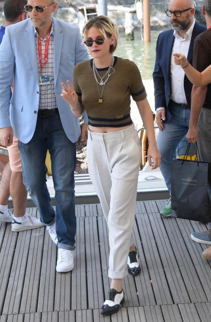 kristen Stewart, venice film festival, christian louboutin Zazou Fiori two-tone patent-leather brogues, brunello Cucinelli twill ivory trousers