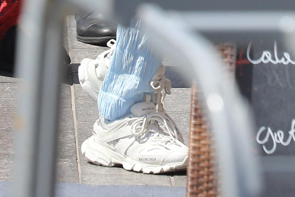 kylie jenner, balenciaga, balenciaga sneakers, monaco