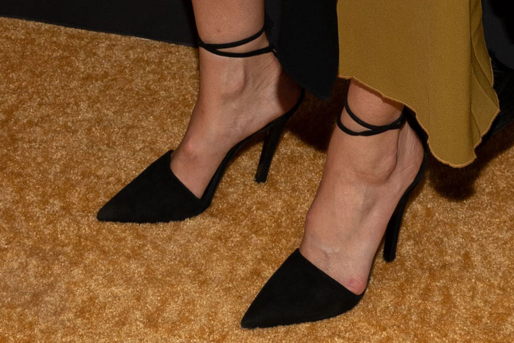 Mandy Moore, black pointy-toe pumps, celebrity shoe style, nbc emmy nominee party