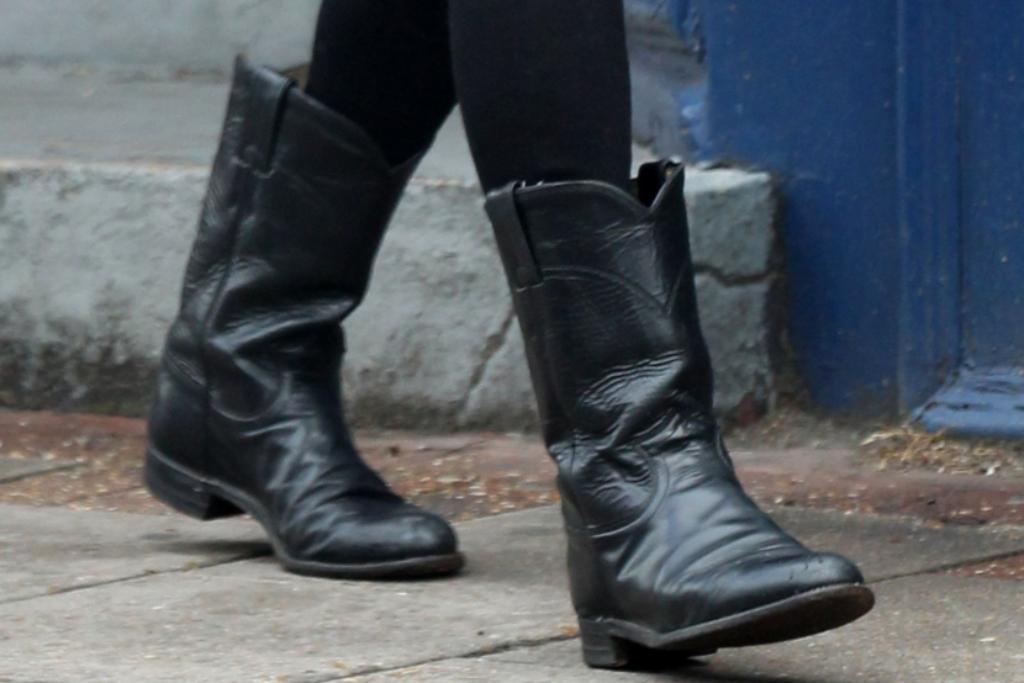 Best Women's Mid-Calf Boots – Footwear News