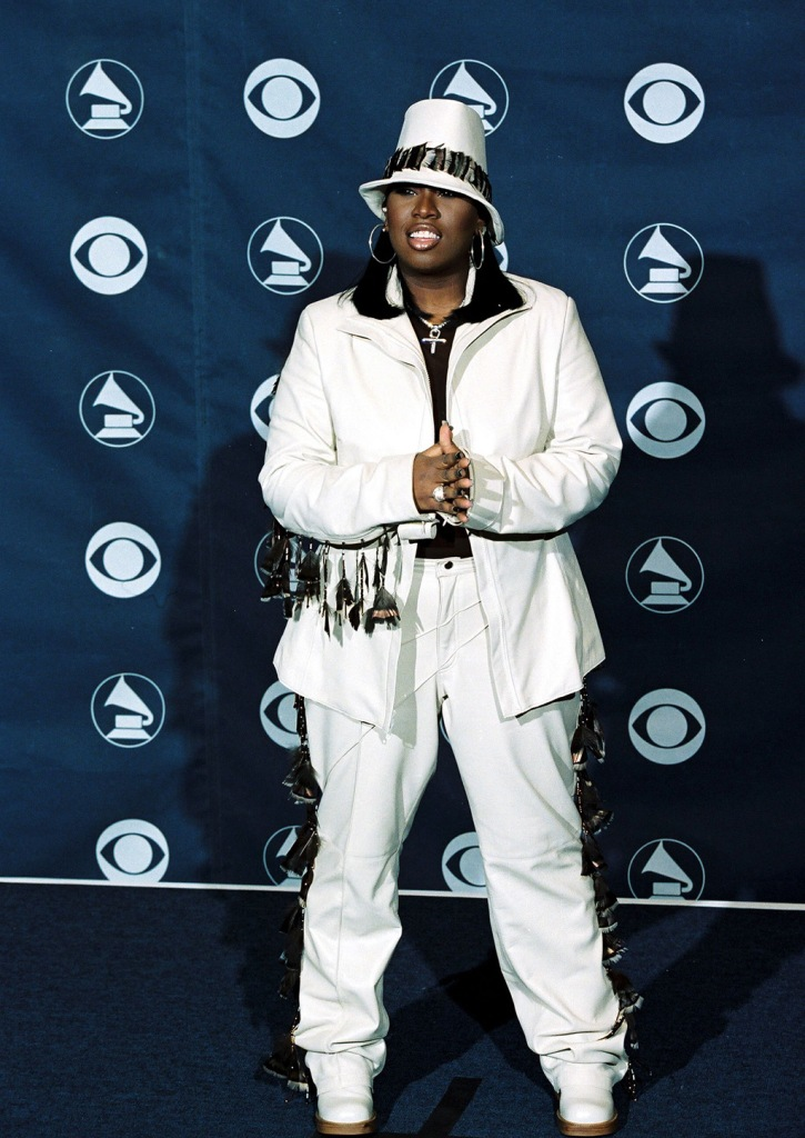 Missy Elliott, white pantsuit, celebrity style, red carpet, The 1999 Grammy Awards Deadline RoomFebruary 24, 1999 Los Angeles, CAMissy ElliottThe 1999 Grammy Awards held at the Staples Center.Photo by Eric Charbonneau ® Berliner Studio / BEImages
