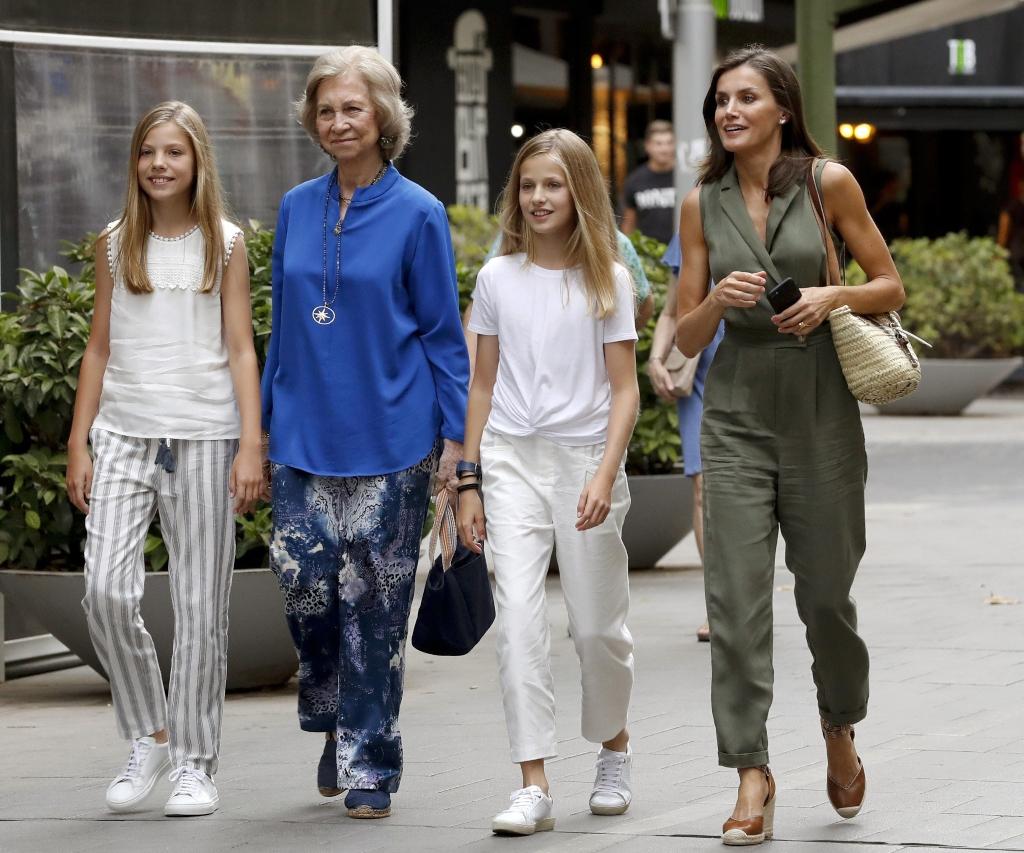 queen letizia, spanish royal family, mango jumpsuit, uterque wedges