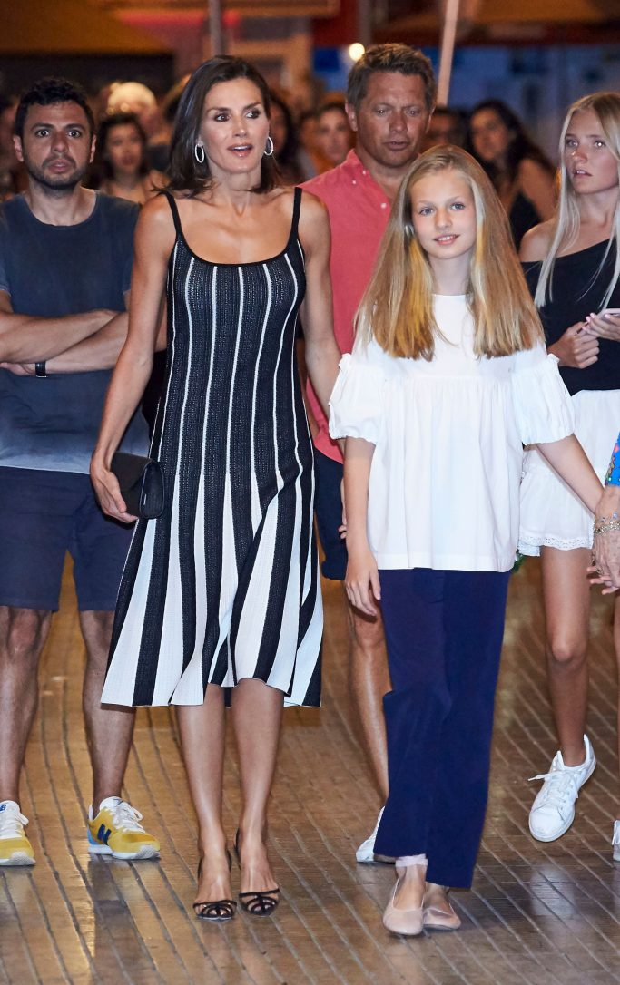 """Queen Letizia attends """"Swan Lake"""" show in Spain with daughter Princess Leonor."""