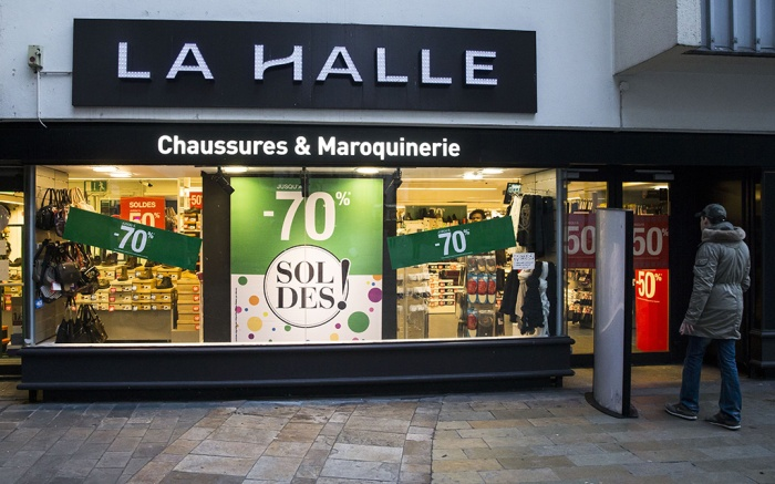 Exterior view on a shop of La Halle aux Chaussures shop in Paris, France, 24 January 2017. Vivarte group has announced on 24 January that they will be closing 147 La Halle aux Chaussures shops. Between 730 and 800 jobs are put in jeopardy by the group reorganization, according to French trade unions.La Halle aux Chaussures closes 147 shops in France, Paris - 24 Jan 2017