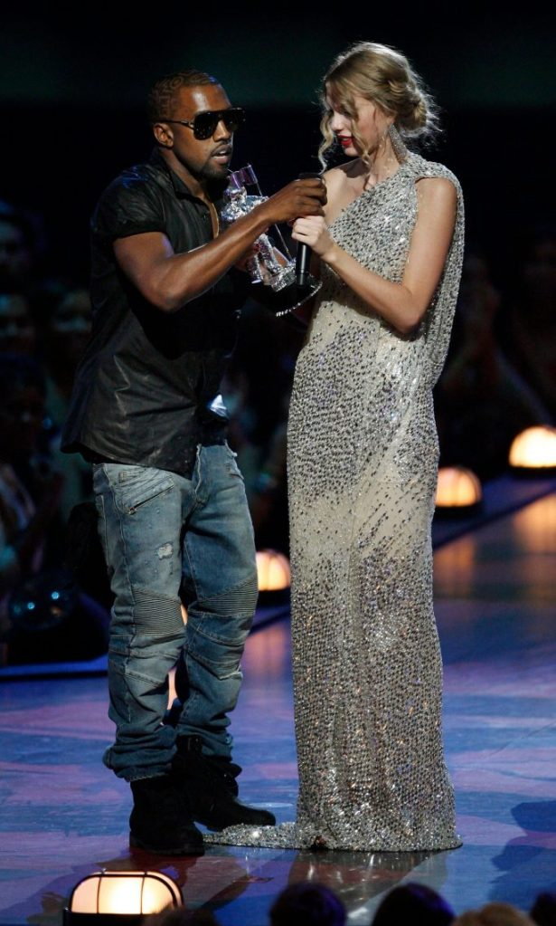 """Kanye West, Taylor Swift, Singer Kanye West takes the microphone from singer Taylor Swift as she accepts the """"Best Female Video"""" award during the MTV Video Music Awards on in New YorkMTV Video Music Awards Show, New York, USA - 13 Sep 2009"""