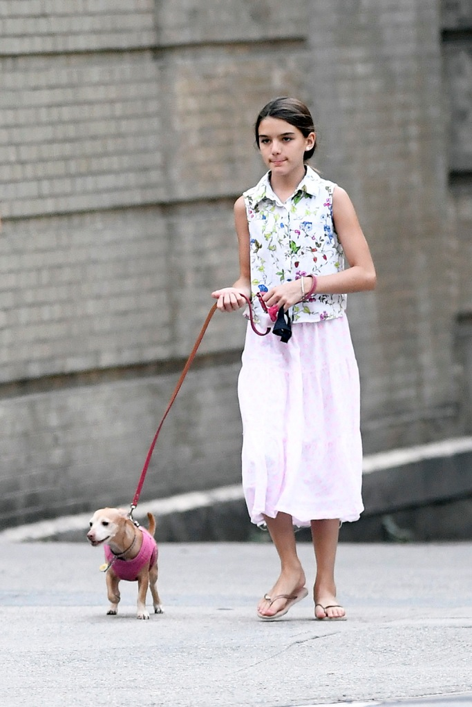 suri cruise, dogs, flip-flops, celebrity style, teenager, Katie Holmes Steps out with Suri walking their dogs New York City just hours after confirming breaking up with Jamie Foxx after been together for 6 yearsPictured: Katie Holmes,Suri CruiseRef: SPL5109963 190819 NON-EXCLUSIVEPicture by: Elder Ordonez / SplashNews.comSplash News and PicturesLos Angeles: 310-821-2666New York: 212-619-2666London: 0207 644 7656Milan: +39 02 56567623photodesk@splashnews.comWorld Rights, No Portugal Rights