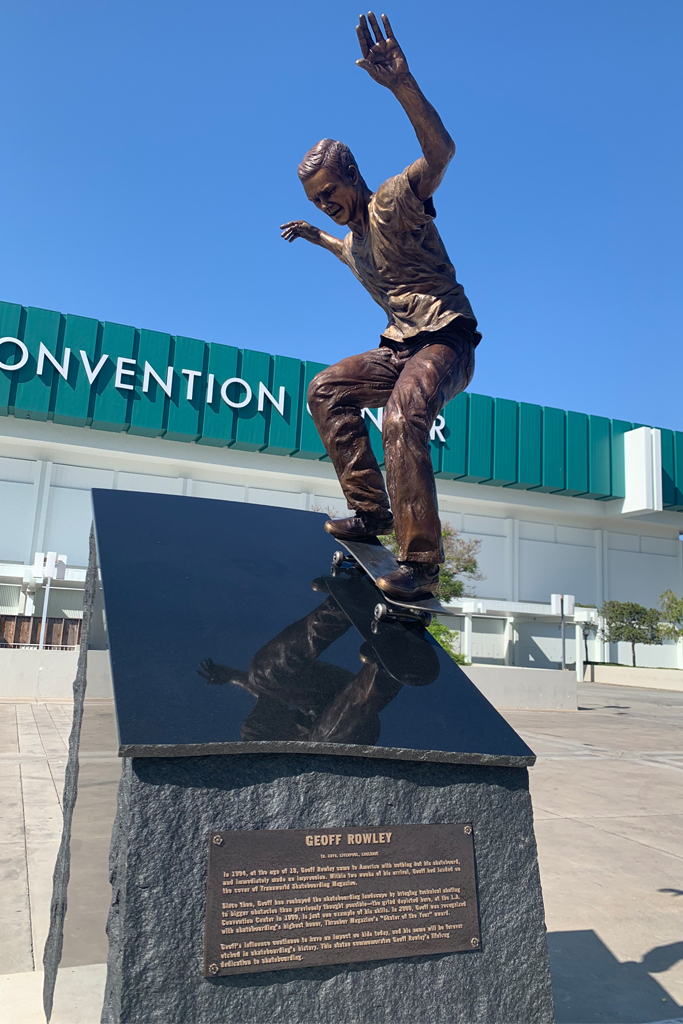 Vans Geoff Rowley Statue