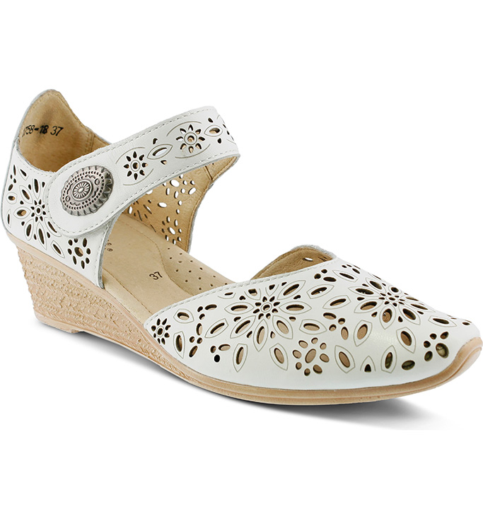 1920s fashion trends, Nougat Pump SPRING STEP, mary janes, 1920 inspired shoes