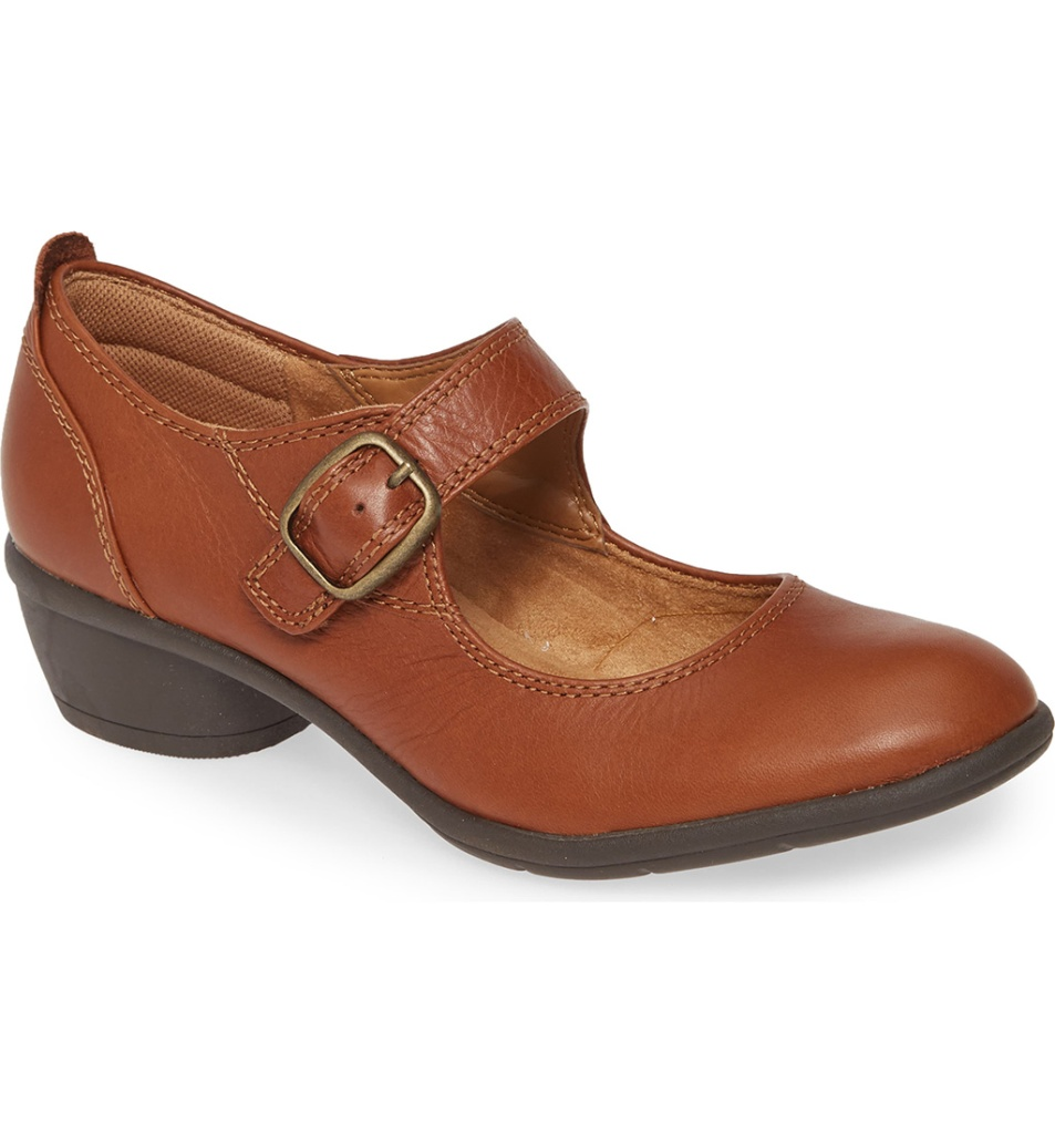 1920s fashion trends, Quanita Mary Jane Pump COMFORTIVA, mary janes, 1920 inspired shoes