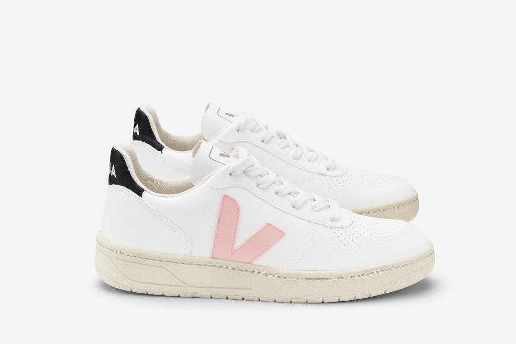 veja sneaker, 90s shoe trends, chunky trainer