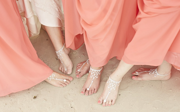 best-barefoot-sandals-weddings