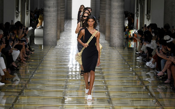 Models on the runway at the spring '20 Bottega Veneta show, ss20, milan fashion week
