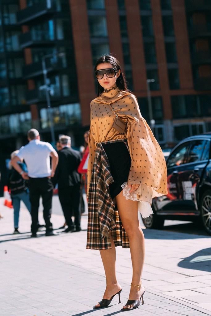 Doina Ciobanu, Bottega Veneta, square toes, black sandals, London fashion week, lfw, street style, square toes, sandals, heels