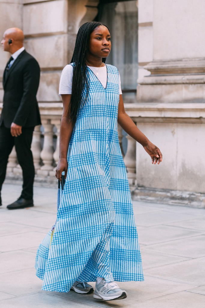 New Balance, sneakers, blue maxi dress, celebrity style, lfw, London fashion week, spring 20, chunky trainers, dad shoes