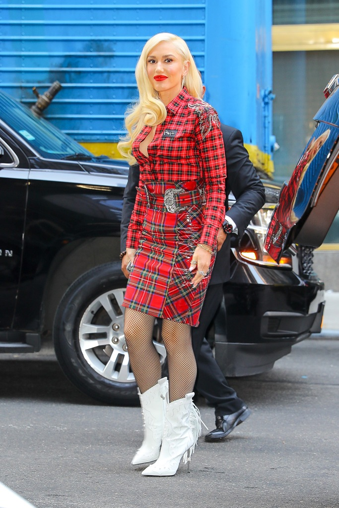 Gwen Stefani, philipp plein, plaid skirt, red outfit, tartan shirt, fishnet tights, western boots, cowgirl boots, wears a plaid ensemble with a white cowboy boots while arrives back at her hotel in NYCPictured: Gwen StefaniRef: SPL5117637 230919 NON-EXCLUSIVEPicture by: Felipe Ramales / SplashNews.comSplash News and PicturesLos Angeles: 310-821-2666New York: 212-619-2666London: +44 (0)20 7644 7656Berlin: +49 175 3764 166photodesk@splashnews.comWorld Rights