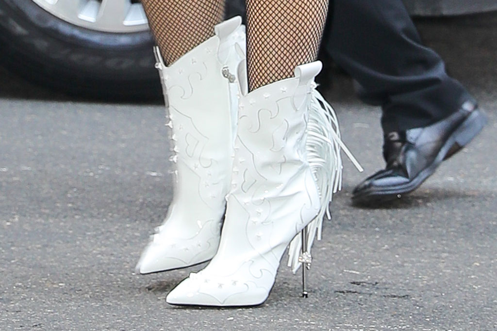 Gwen Stefani, white boots, philipp plain shoes, fishnet tights, stilettos, spike heels, celebrity shoe style, New York city,
