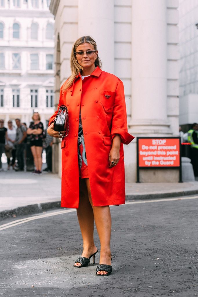 Janka Polliani, street style, London fashion week, lfw, spring 2020, bottega veneta, square toes, black quilted sandals