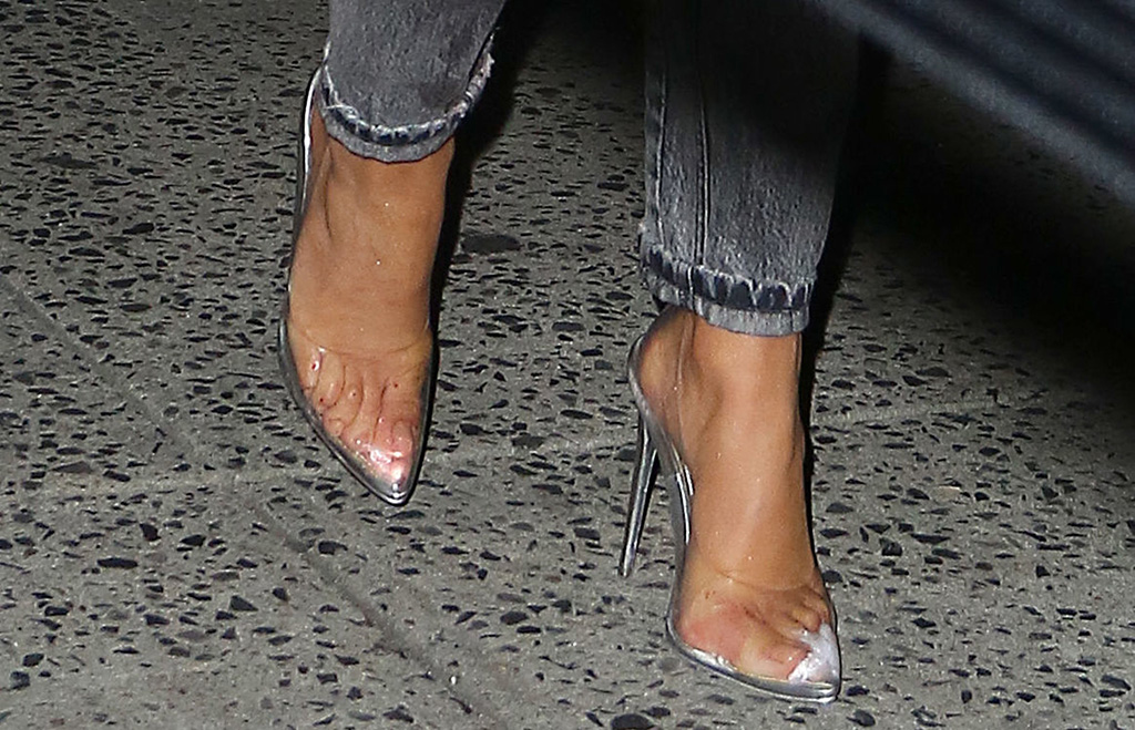 Jennifer Lopez see-through pumps, toes, pedicure, shoe detailJennifer Lopez out and about, New York, USA - 10 Sep 2019 Jennifer Lopez, Balmain fall 19, denim outfit, jacket, jeans, see-through pumps, Jessica rich shoes, Jennifer Lopez out and about, New York, USA - 10 Sep 2019Wearing Balmain Same Outfit as catwalk model *10123871q