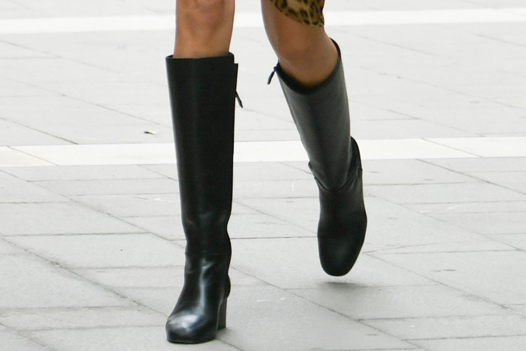 Kaia Gerber, knee high boots, black boots, celebrity style, Milan fashion week