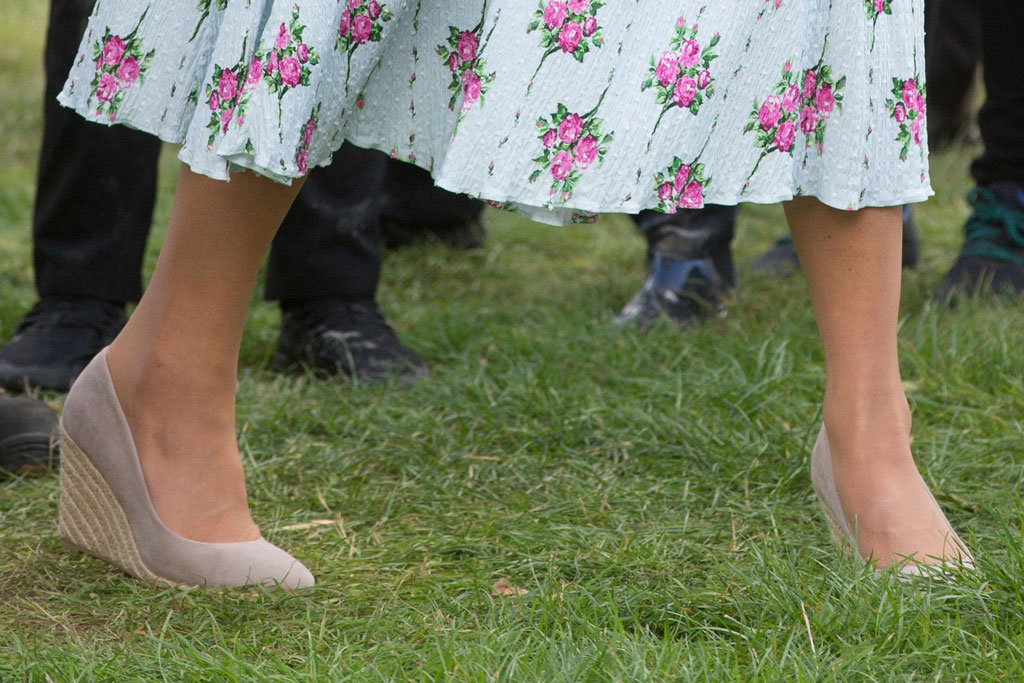 Kate Middleton, wedge heels, monsoon, celebrity style, royal style, wedges, Emilia Wickstead dress, woking, uk