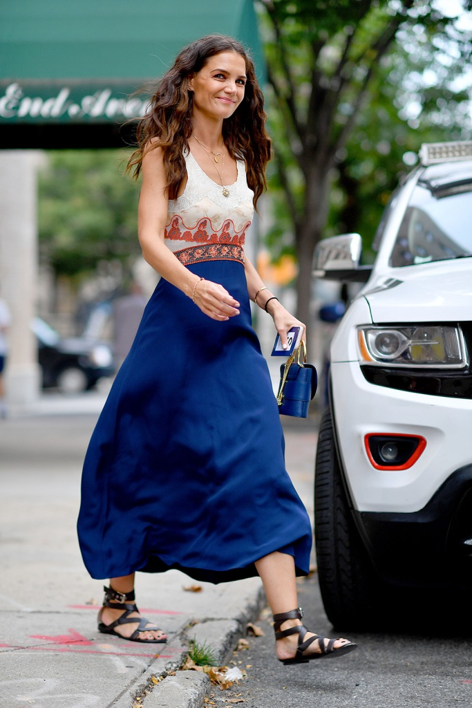 Katie Holmes, Chloe dress, gladiator sandals, celebrity style, street style, black sandals, heads to the Global Citizens concert in Central Park,New York CityPictured: Katie HolmesRef: SPL5119033 280919 NON-EXCLUSIVEPicture by: Robert O'Neil / SplashNews.comSplash News and PicturesLos Angeles: 310-821-2666New York: 212-619-2666London: +44 (0)20 7644 7656Berlin: +49 175 3764 166photodesk@splashnews.comWorld Rights