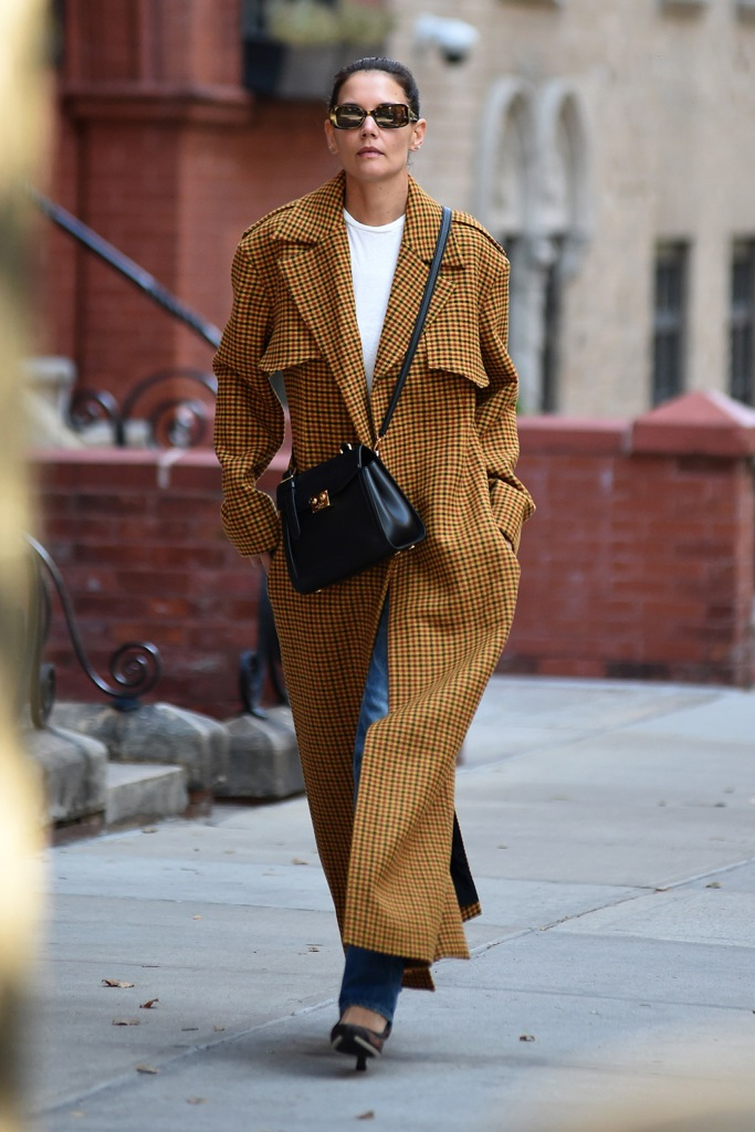 Katie Holmes, khaite trench coat, white t-shirt, sunglasses, celebrity style, street style, New York city, 2019, mom jeans, white t-shirt, mesh pumps, Katie HolmesKatie Holmes out and about, New York, USA - 25 Sep 2019