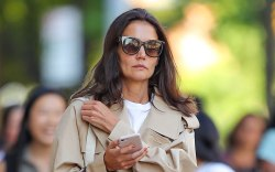 Katie Holmes, celebrity style, trench coat,