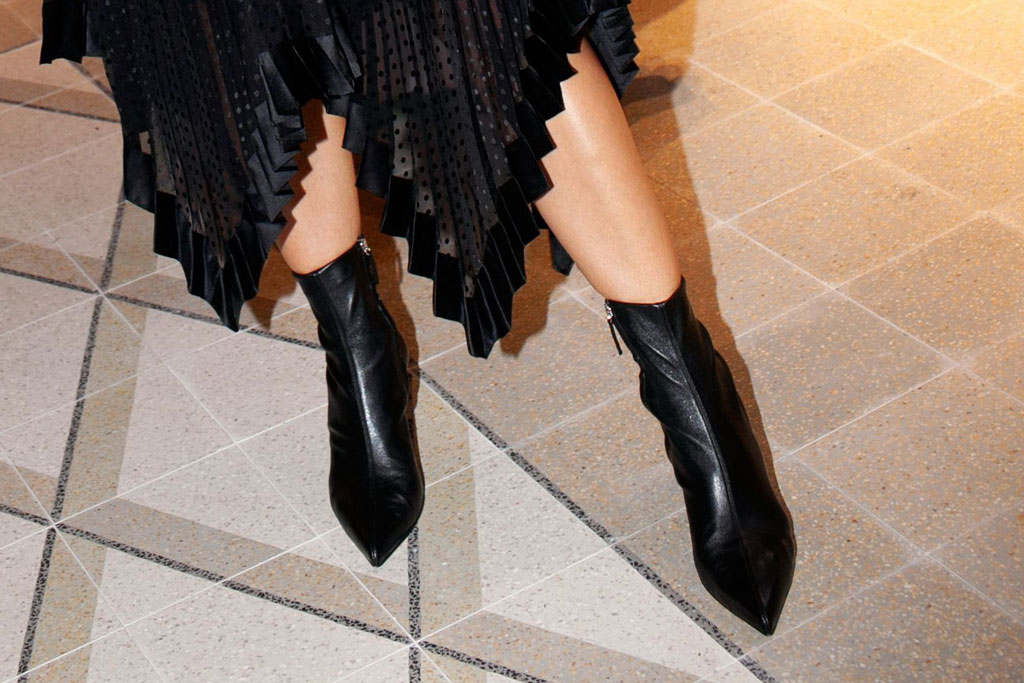 Katie Holmes, Zimmermann, spring 2020, nyfw, party, black boots, booties, pointy-toe,