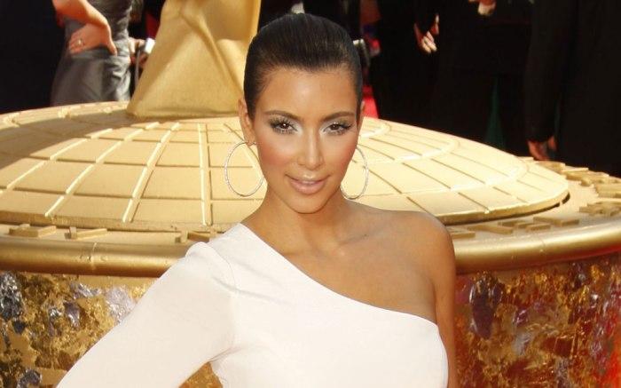Kim Kardashian, emmy awards, red carpet, 2009