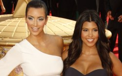 Kim, Kourtney kardashian, 2009 emmy awards,