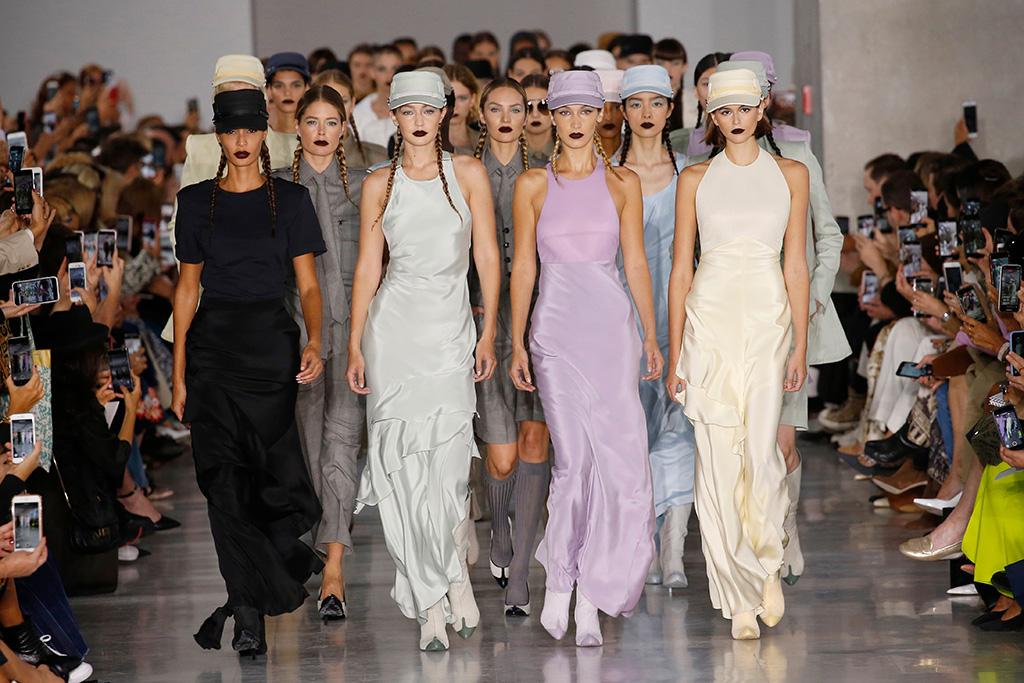 Joan Smalls, Doutzen Kroes, Gigi Hadid, Candice Swanepoel, Bella Hadid and Kaia Gerber on the catwalkMax Mara show, Runway, Spring Summer 2020, Milan Fashion Week, Italy - 19 Sep 2019