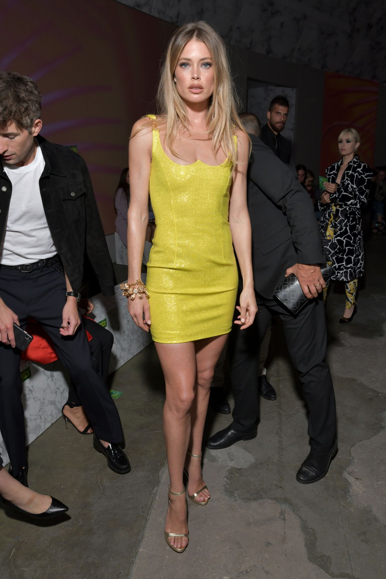 mfw, milan fashion week, milan, front row, celebrities, spring '20, ss20, doutzen kroes, versace
