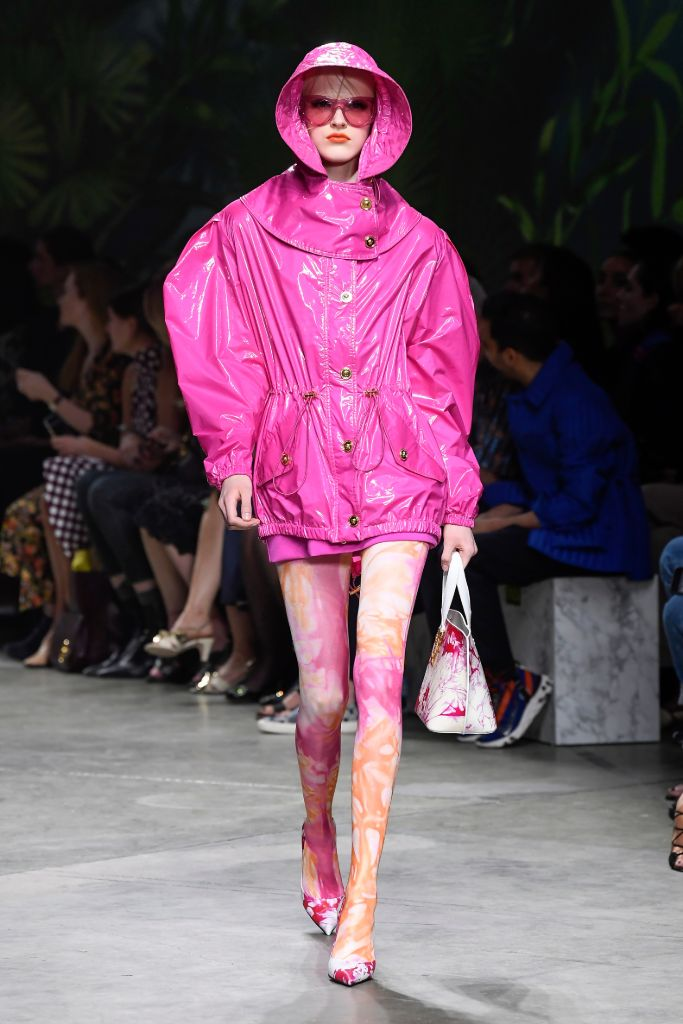 versace, spring, 2020, hot, pink, color, trend, milan, fashion, week