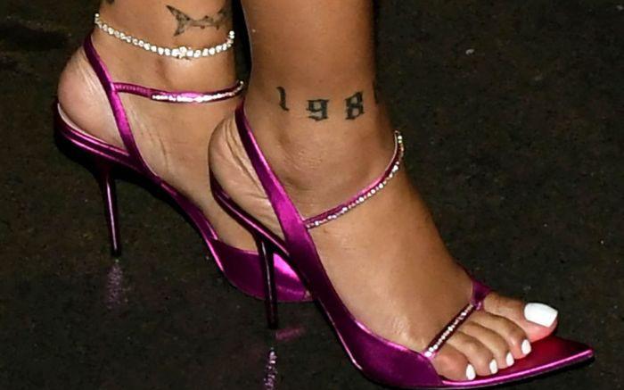 hot pink, fenty sandals, rihanna, foot, tattoos