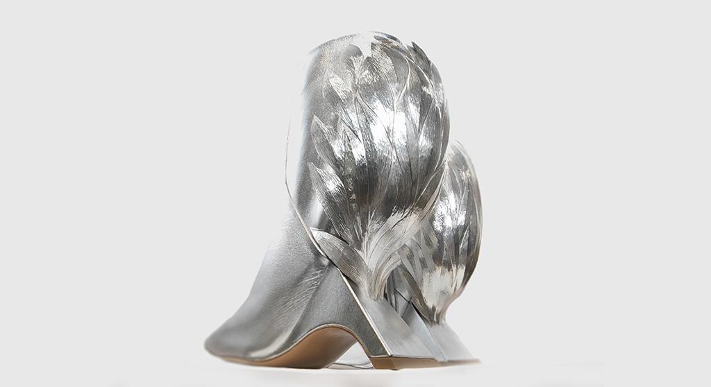 Sarabande x Nicholas Kirkwood, silver shoes