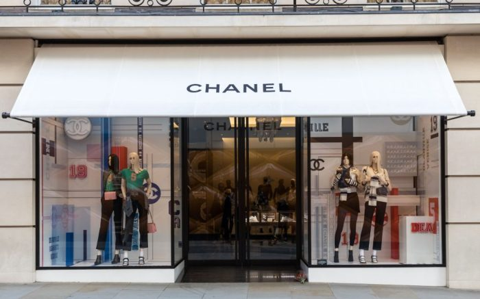 Roses are left outside the Chanel store on Bond StreetTributes to Karl Lagerfeld, London, UK - 19 Feb 2019