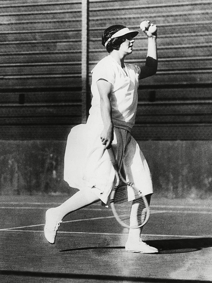 1920s fashion trends, Helen Wills, 1920s, tennis shoes, 1920s shoes