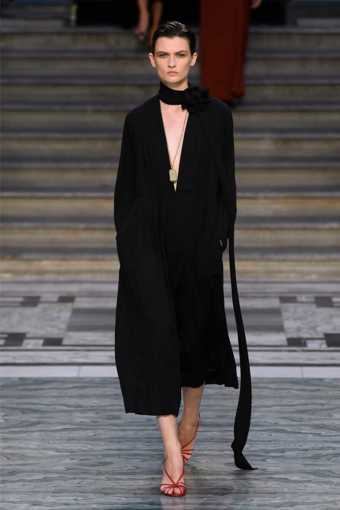 Victoria Beckham, runway, London fashion week, sandals