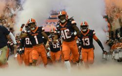 Syracuse team enters the Carrier Dome