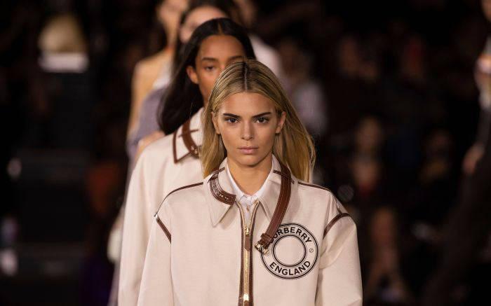 Kendall Jenner, Burberry, lfw, blond hair, blonde, celebrity, Model Kendall Jenner wears a creation by Burberry at the Spring/Summer 2020 fashion week runway show in LondonFashion S/S 2020 Burberry, London, United Kingdom - 13 Sep 2019